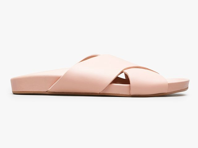 Everlane The Form Crossover Sandal in Pale Rose