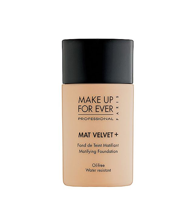 sweat proof foundation the 9 best sweatproof foundations for summer byrdie uk 10961