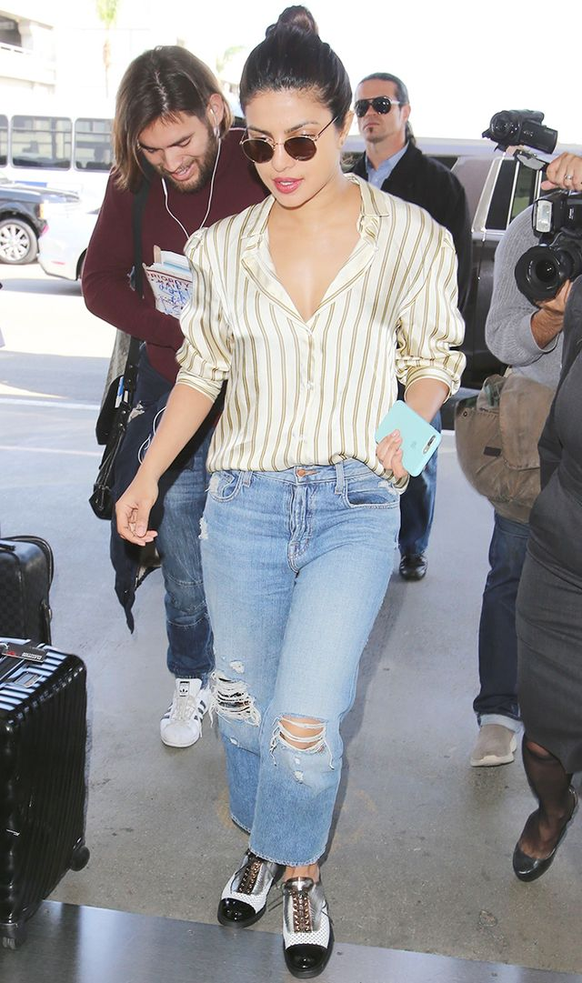 The New Flats That Fashion Girls Everywhere Are Wearing With Jeans