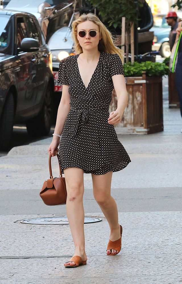 dakota fanning polka dot dress outfit