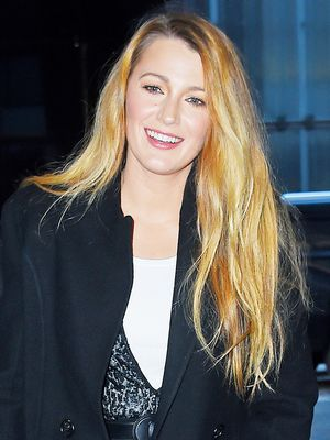 It's Time to Copy Blake Lively's Jegging-and-Sneaker Outfit