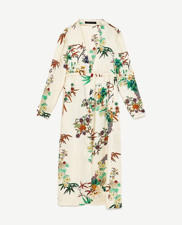 Kendall Jenner's Cannes Vacation Style: Zara Long Kimono