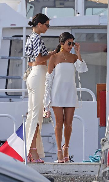 Kendall Jenner's Cannes Vacation Style: Stripes for evening glamour