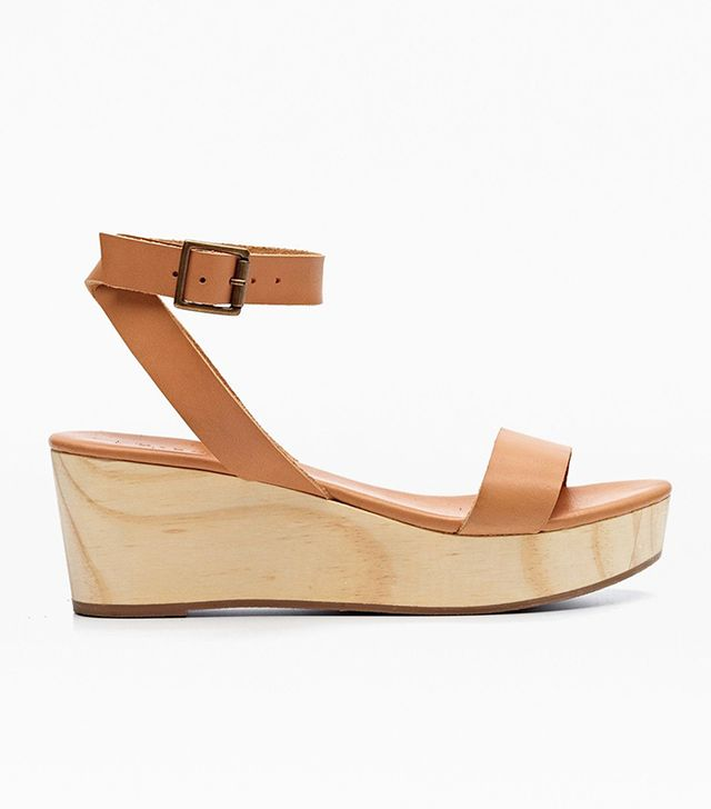 Nisolo Sarita Wooden Wedge Sandal in Tan