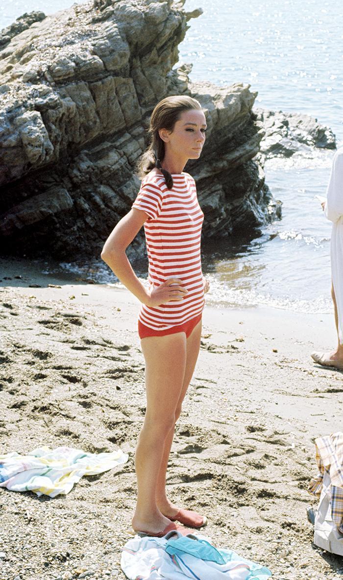 Cute Beach Outfits - Audrey Hepburn