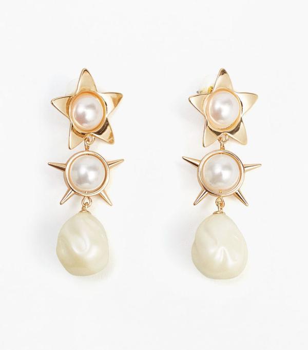 Best wedding guest accessories: Mango pearl earrings