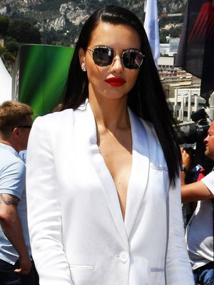 Adriana Lima's 2-Step Formula to Peak Summer Chicness