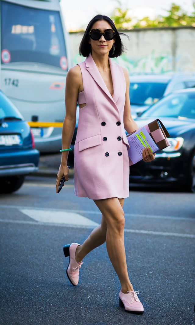 How to shop sample sales: Eva Chen pink dress and shoes