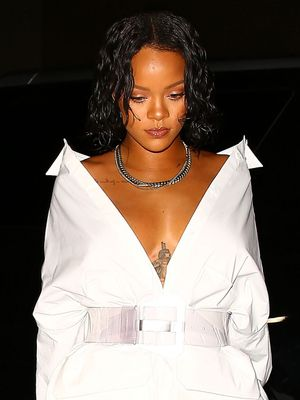 You Tell Us: Is Rihanna Wearing Shoes in Her Latest Look?