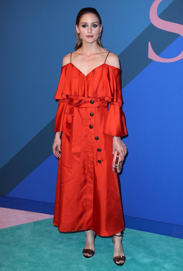 WHO: Olivia Palermo WEAR: Banana Republic dress.
