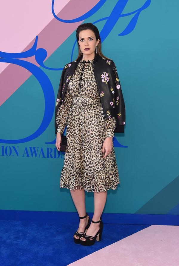WHO: Mandy Moore WEAR: Kate Spade New York dress; Nicholas Kirkwood shoes; Edie Parker clutch;Irene Neuwirth jewelry.