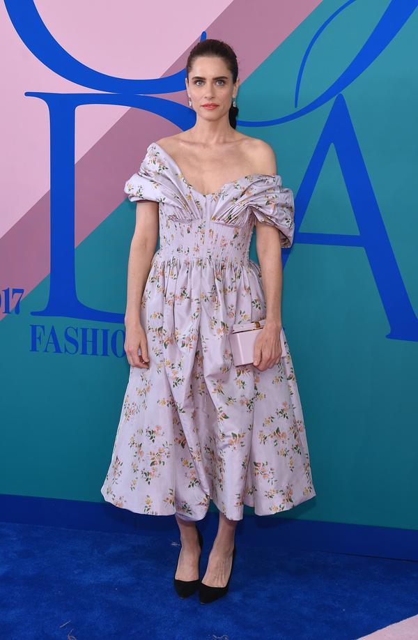 WHO: Amanda Peet WEAR: Brock Collection dress;Edie Parker clutch.
