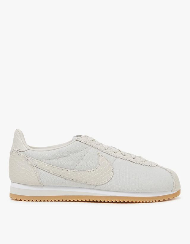 Classic Cortez SE in Light Bone-White-Gum Yellow