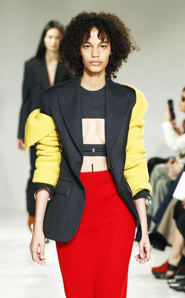 Arm warmers trend: Calvin Klein