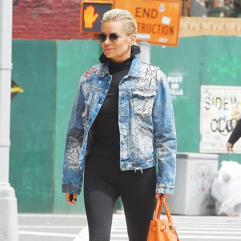 How to Wear Leggings When You're Not in Your 20s