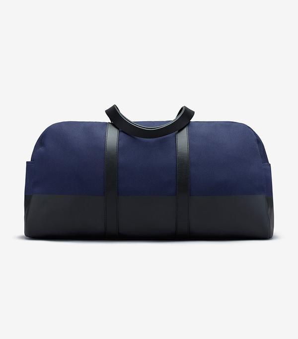 Women's Dipped Weekender Bag by Everlane in Navy / Black