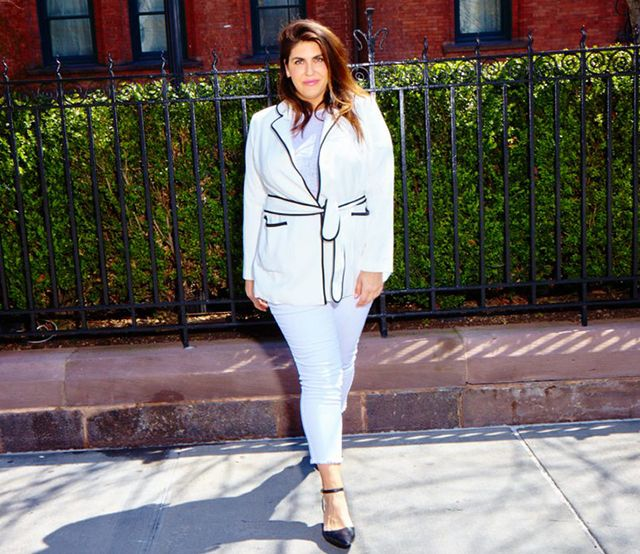 Day 30: Elevate white skinny jeans with a polished blazer.