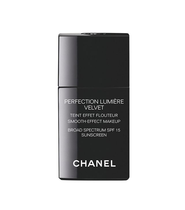 Chanel Perfection Lumière Velvet Smooth-Effect Makeup