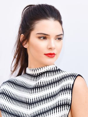 """Tour Kendall Jenner's Stunning $1.6 Million """"Starter Home"""" in the Heart of L.A."""