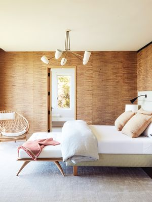 How to Arrange Your Bedroom Furniture for Every Room Size