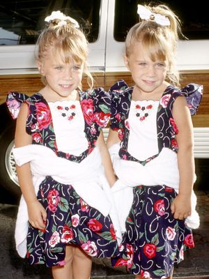 Mary-Kate and Ashley's Cutest '90s Outfits You Forgot About