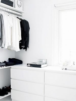 How to Organise Your Tiny Closet Like an Expert