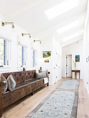 The 7 Keys to Making Your Foyer Five Star–Worthy