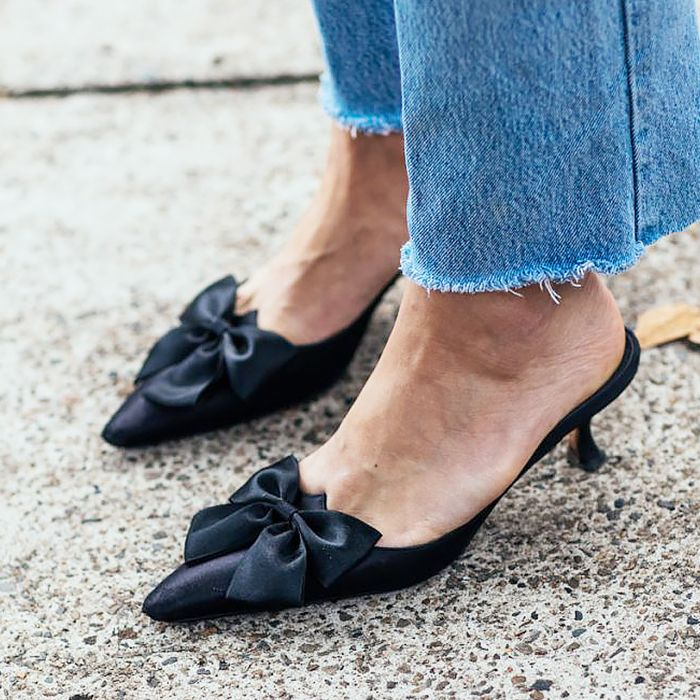bow mules street style