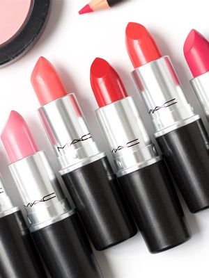MAC Is Literally Giving Away Free Lipstick Right Now
