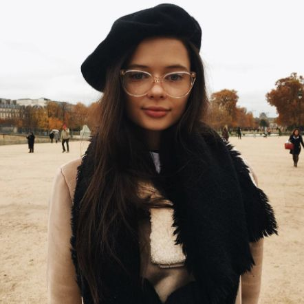 This 20-Year-Old Sydney Model Has Nailed French-Girl Style