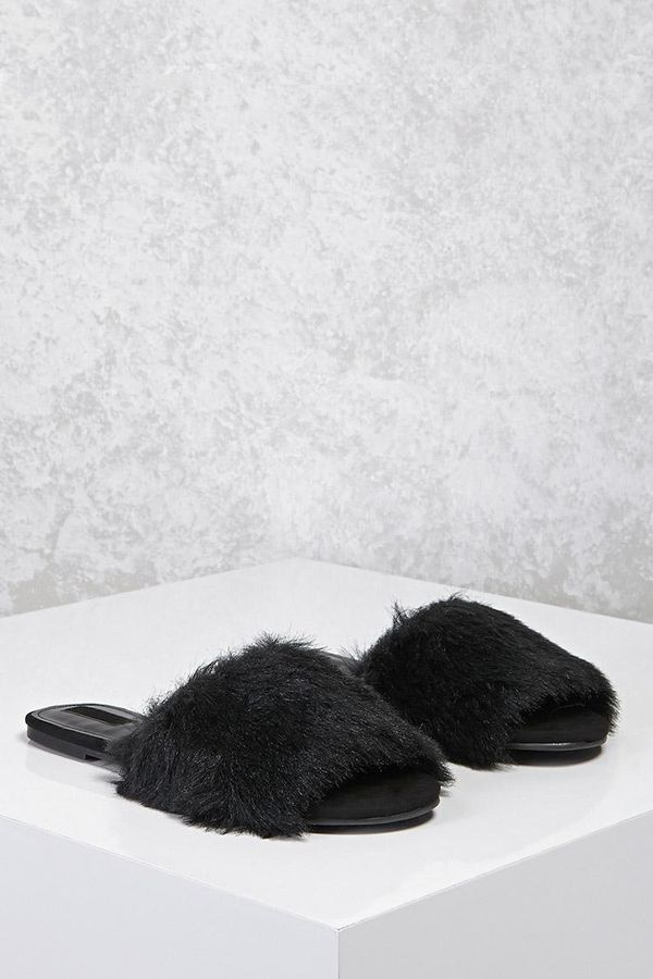 The Quot Ugly Quot Shoes Everyone Is Buying From Zara Whowhatwear