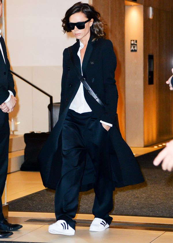 Victoria Beckham style: Fashion a Laid-Back Suit With an Overcoat