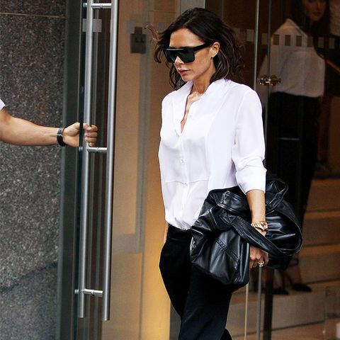Victoria Beckham style: There Are Many Ways to Hold a Bag