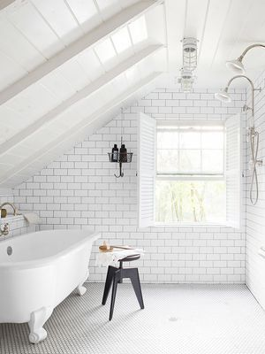 10 Bathroom Lighting Ideas to Make You Look Your Best