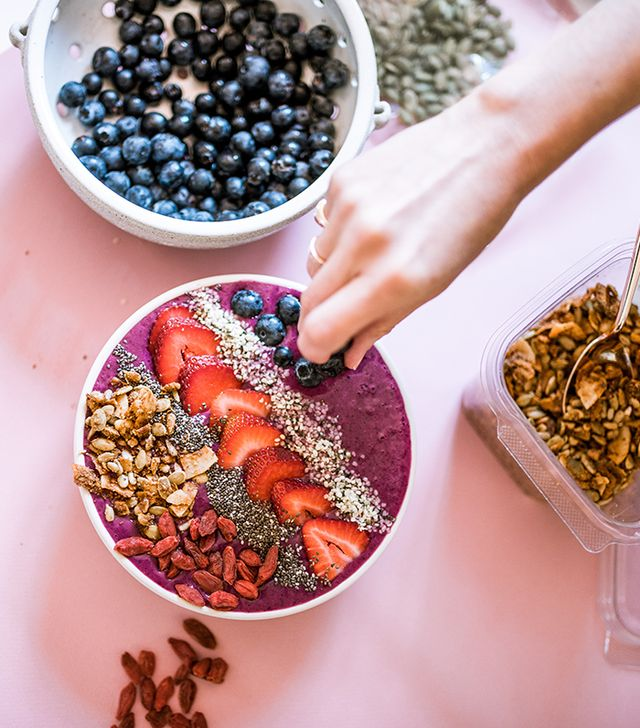Bee pollen: On top of adding protein and energy, I've read bee pollen has benefits like preventing the cold and flu, helping with cravings, improving vitality and endurance, regulating intestines,...