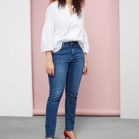 Super Slim-Fit Alexandra Jeans
