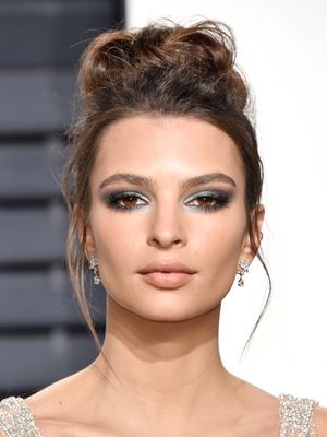 EmRata's 2017 Take on Smoky Eyes Is Seriously Stunning