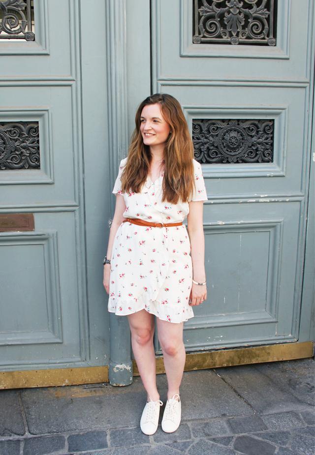 How to dress like a Parisian: Sezane floral dress and pumps