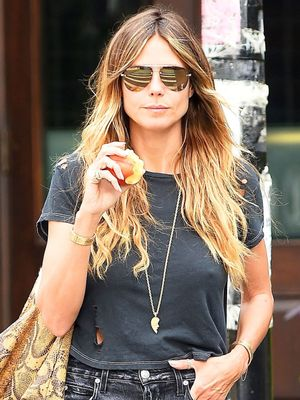 Heidi Klum, This Flat Sandal Style Is Amazing