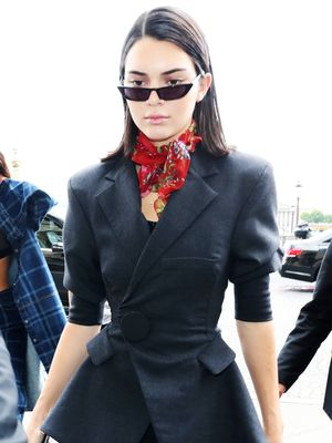We Are So Confused By Kendall Jenner's Legging Outfit, We Can't Stop Looking