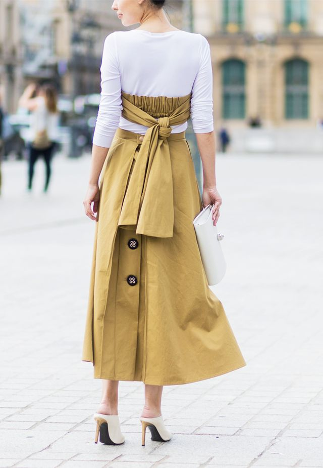 Best Street Style Looks At Paris Fashion Week Whowhatwear Uk