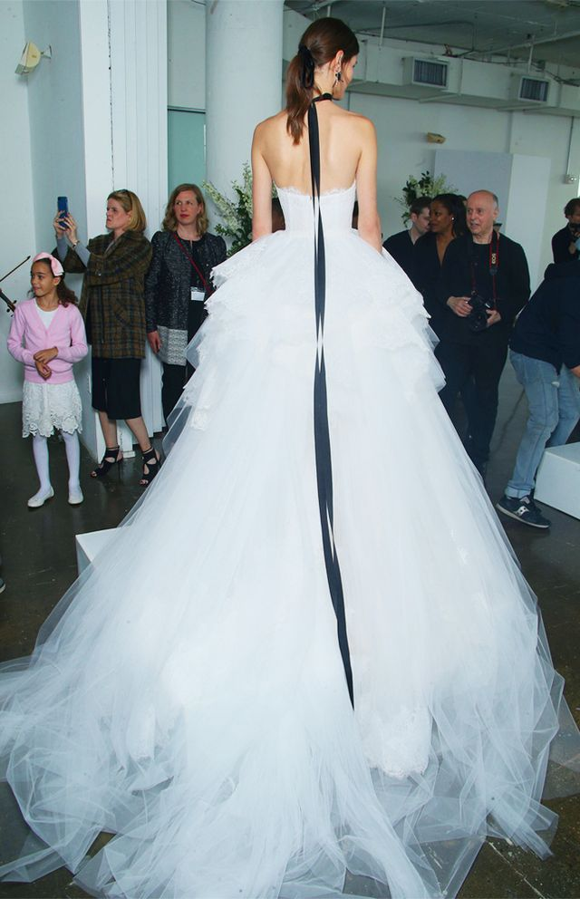 bridal-trends-228739-1499261876373-main.640x0c.jpg (640×992)