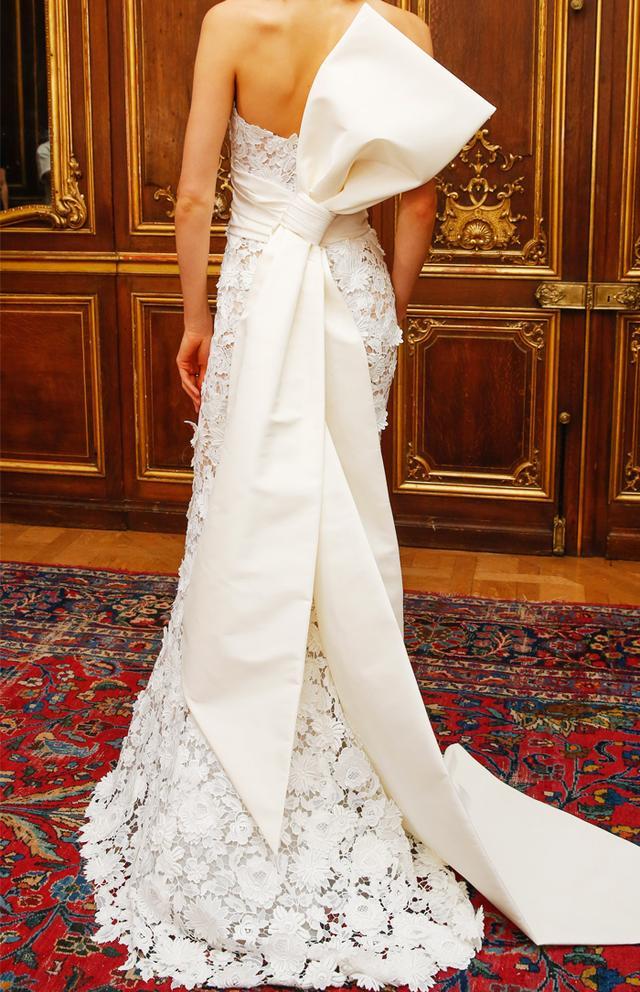 bridal-trends-228739-1499261965254-main.640x0c.jpg (640×992)