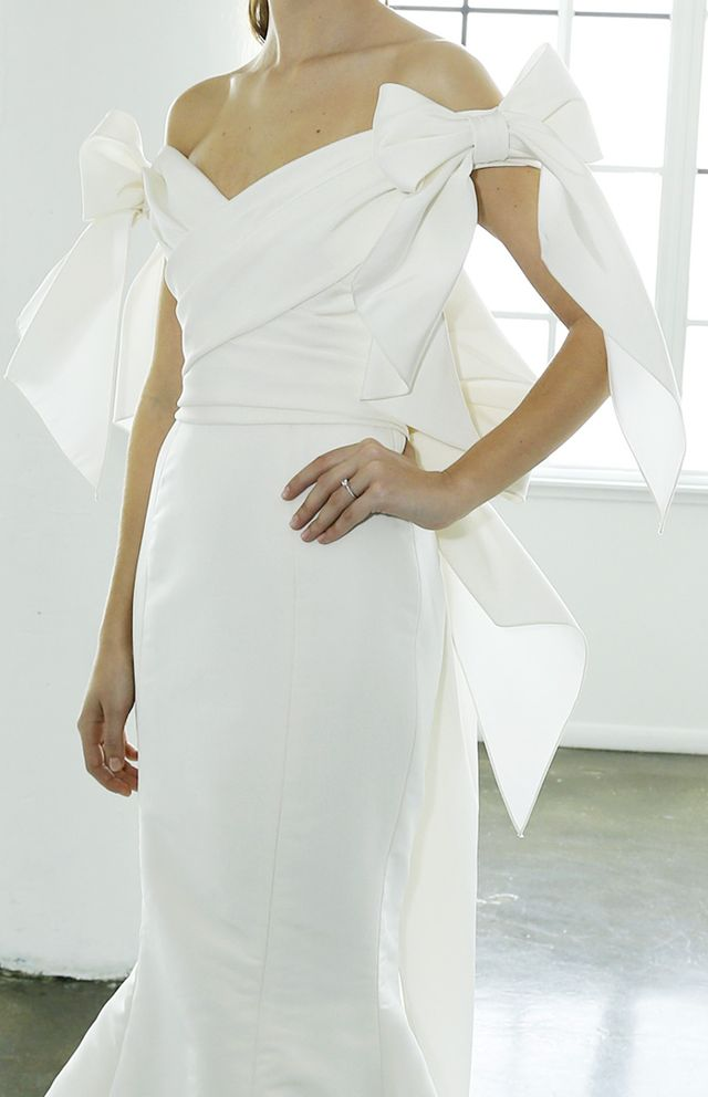 bridal-trends-228739-1499266440375-main.640x0c.jpg (640×992)