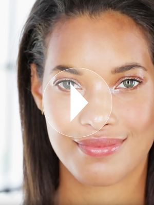 A French Makeup Artist Shows Us How to Do Glossy Lids That Don't Smear