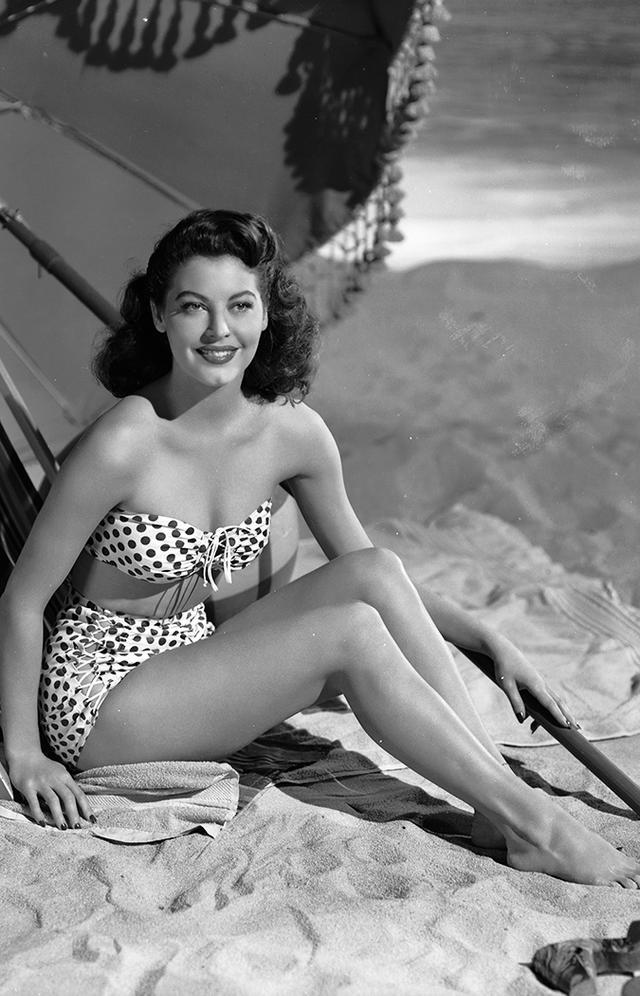 ava gardner 1940s bikini