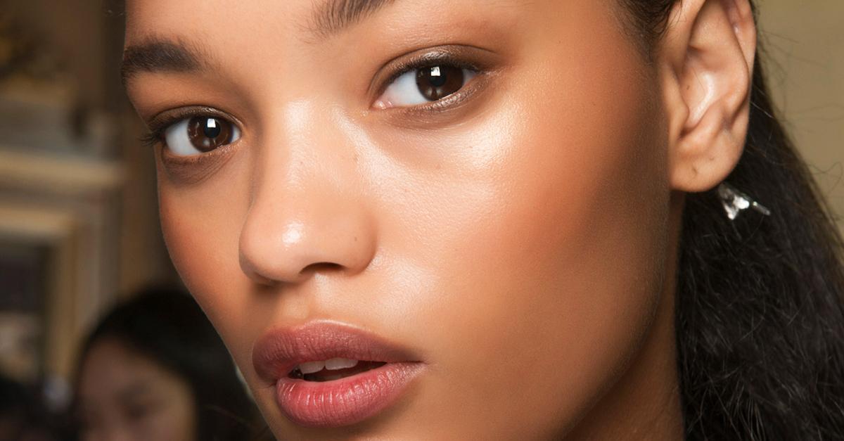 Highlighter: means for skin radiance