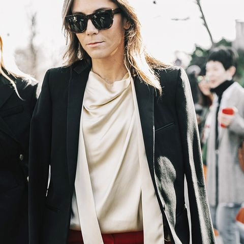 Do You Know How to Wear the One Shirt Every Fashion Girl Owns?