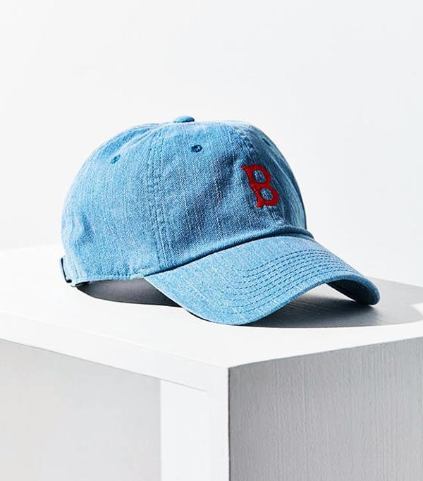 How Celebrities Wear Cool Quot Dad Hats Quot Whowhatwear