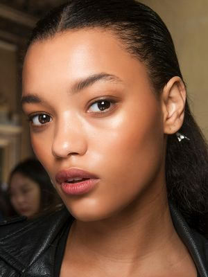 How to Apply Highlighter Like a Makeup Artist